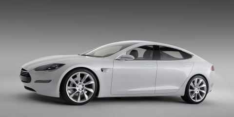 Video: 2012 Tesla Model S in Alpha-phase road testing
