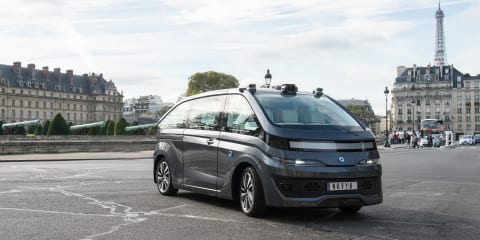 Navya unveils autonomous taxi in Paris