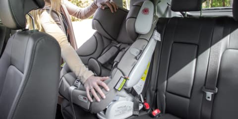 Cars that fit three or more ISOFIX child seats