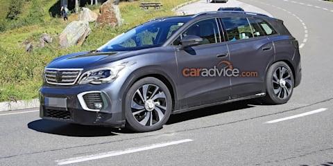 2022 VW ID.6 spied in Peugeot 5008 camouflage, Peugeot boss digs it