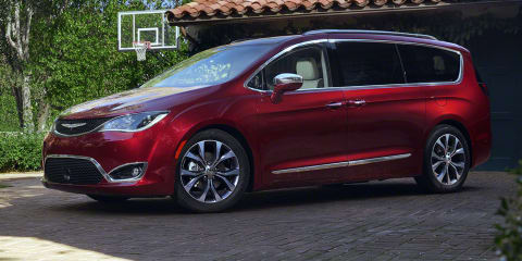 2016 Chrysler Pacifica: Grand Voyager replacement appears in Detroit