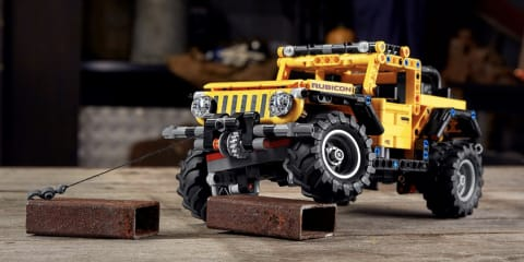 Lego Technic Jeep Wrangler released