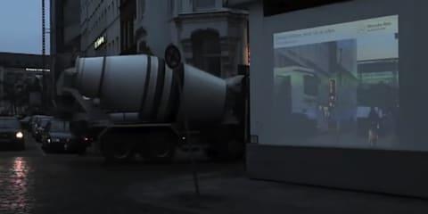 Video: Mercedes-Benz Pre-Safe 'Transparent Walls'