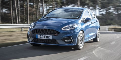 Ford Fiesta ST hits 237km/h on Autobahn - video