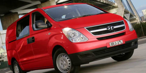 2009 HYUNDAI iLOAD CREW Review