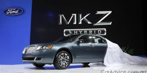 2011 Lincoln MKZ Hybrid introduced in US
