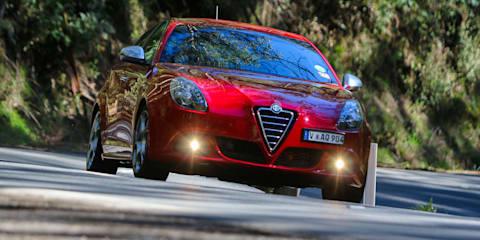 Renault Megane GT 220 v Alfa Romeo Giulietta QV : Comparison review