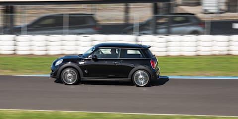 Mini Cooper S v CRG Gemstar go-kart
