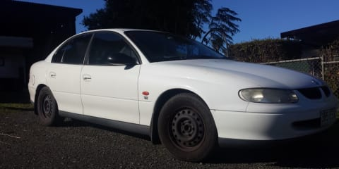 1998 Holden Commodore Review