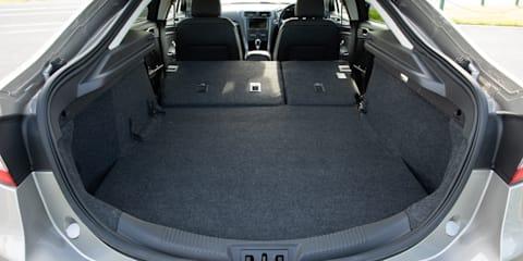 2018 Ford Mondeo Titanium EcoBoost v Mazda 6 Atenza turbo comparison