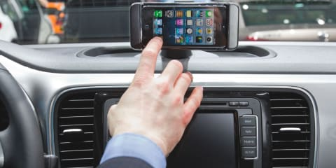 No relationship between phone use and car crash rates: UK study finds