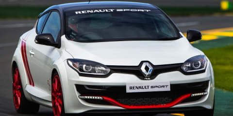 Renault Megane RS275 Trophy-R laps Albert Park F1 circuit in 2min23sec