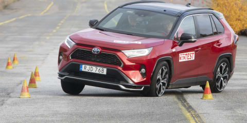2021 Toyota RAV4 plug-in hybrid fails emergency swerve test