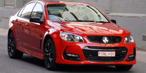 'Last' Holden Commodore sells for $750,000, but final car to roll off the production line remains in museum