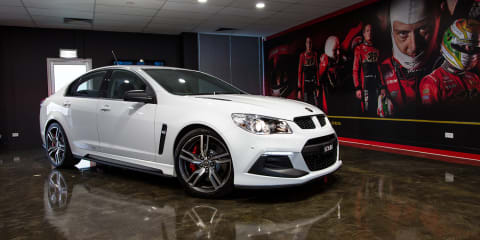 2016 HSV Gen-F2 Clubsport R8 LSA walk around and exhaust rev