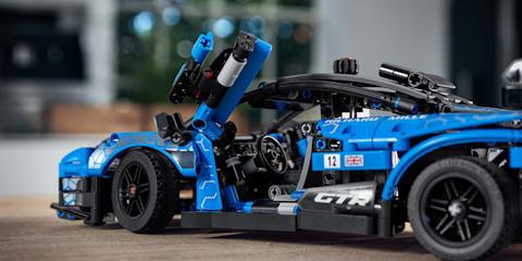 A hypercar for your desk: LEGO Technic McLaren Senna GTR