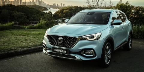 2021 MG HS Plug-in Hybrid review