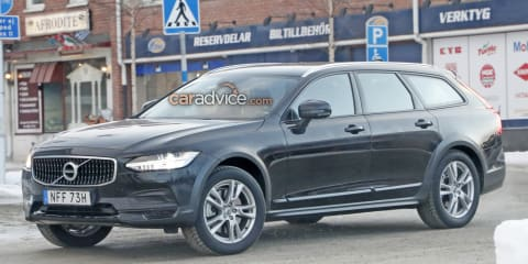 2020 Volvo V90 Cross Country spied