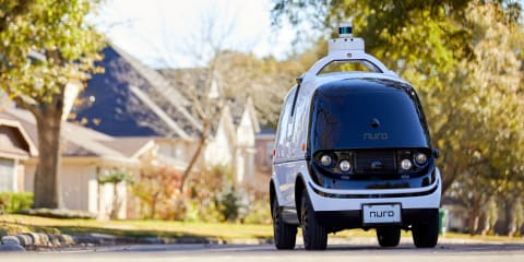 Nuro R2: US authorities approve completely driverless car for road tests