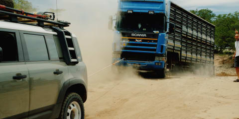 Watch two 2020 Land Rover Defenders recover a 20-tonne truck