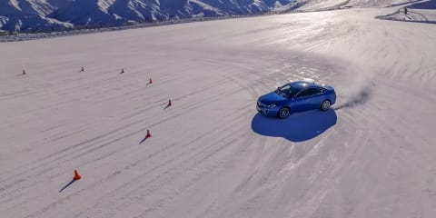 How does all-wheel drive work? All-wheel drive demonstration on snow