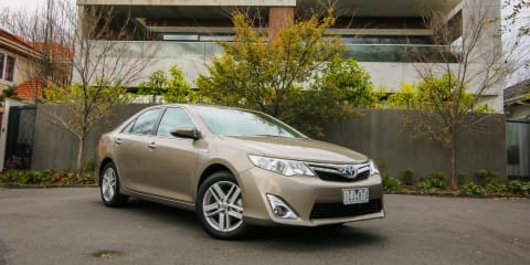 2014 Toyota Camry Hybrid Speed Date