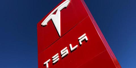 US authorities urge caution over Tesla's latest autonomous tech
