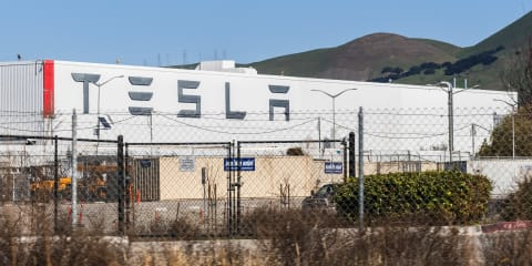 Tesla workers test positive for COVID-19 after Musk opens plant against orders – report