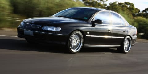 2000 Holden Berlina V8 review