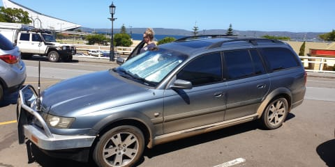 2006 Holden Adventra LX6 review