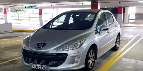 2008 Peugeot 308 XSE HDi review Review