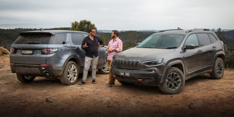 2019 Land Rover Discovery Sport Si4 v Jeep Cherokee Trailhawk comparison