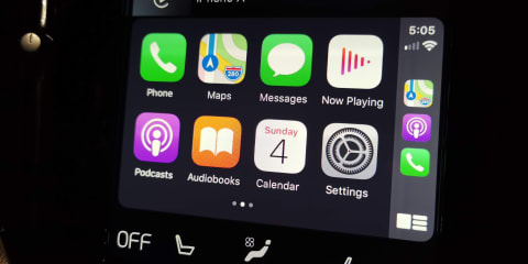 Apple CarPlay (iOS 13) review 2019: New design, dark mode, better maps and more