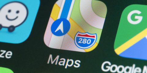 Apple Maps adds electric car charging routes