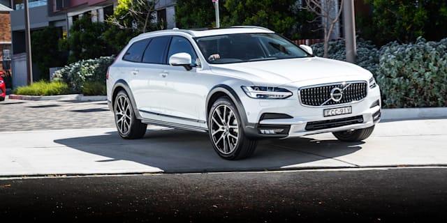 2019 Volvo V90 Cross Country review