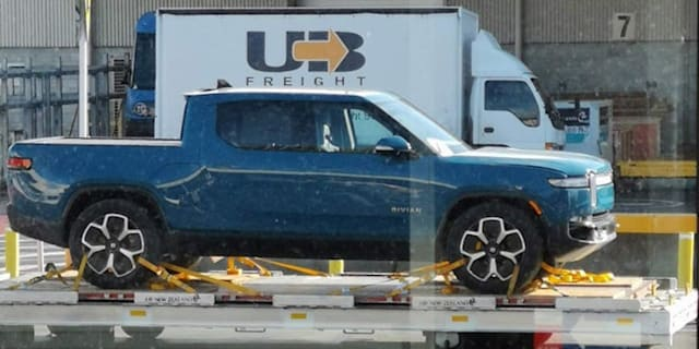 Rivian R1T pick-up, R1S SUV, and Amazon delivery van spied in New Zealand as first deliveries near