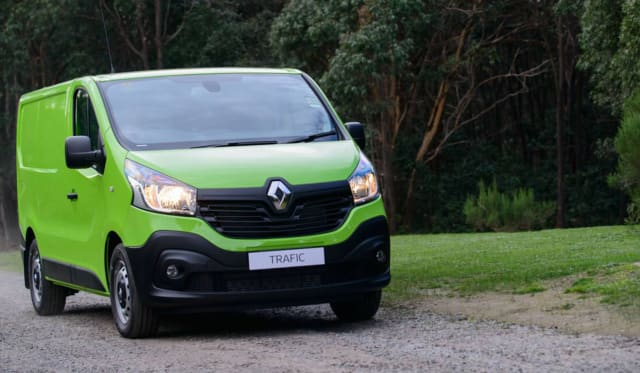 2017 Renault Trafic LWB Review