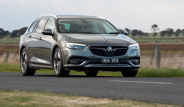 2018 Holden Calais Tourer review