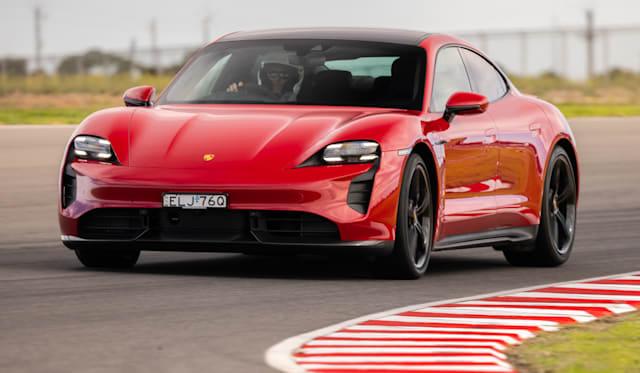 2021年保时捷Taycan Turbo S在本德赛道上创造产量电动车单圈纪录