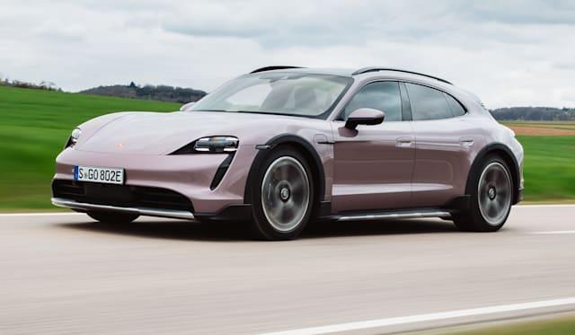 2022保时捷Taycan价格和规格:入门级轿车和交叉Turismo Wagon Vagans添加
