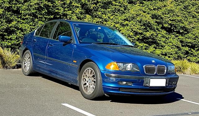 2001 BMW 3 25i review