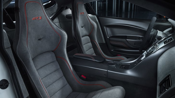 aston-martin-vantage-gt3-interior
