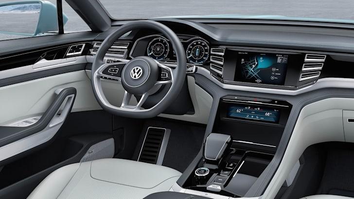 Volkswagen-Cross-Coupe-GTE-5