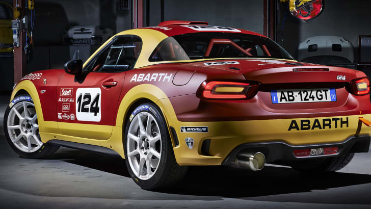 abarth-124-rally-rear