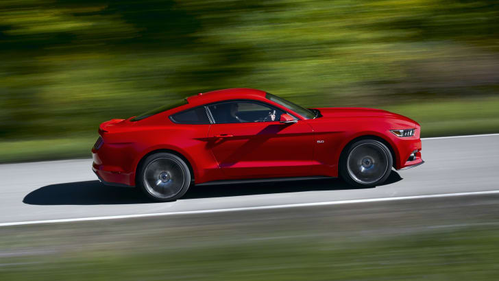 Ford Mustang profile driving