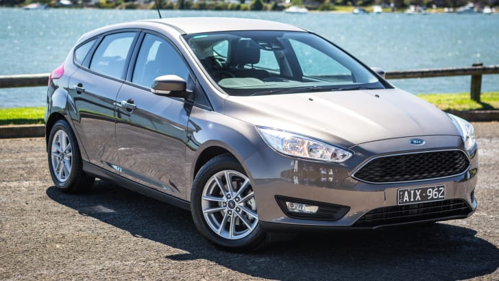 2017-ford-focus-trend-3
