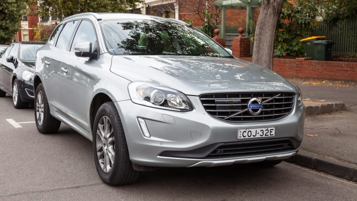 2014-volvo-xc60-d5-luxury-03