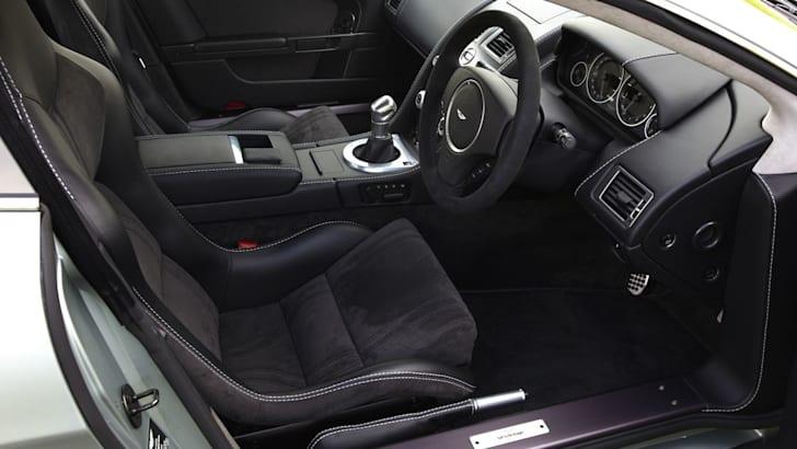cockpit-amd-seats