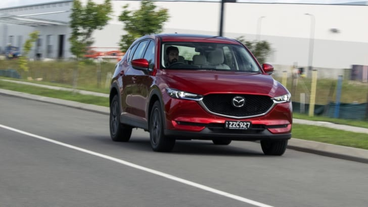 2017_mazda_cx-5_range-review_05_akera_22a