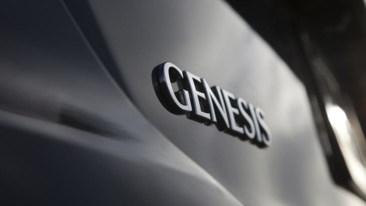 2016 Hyundai Genesis V8 Ultimate08